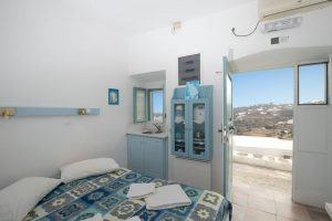 Marily Rooms_Anopeteli_Kamares_Sifnos
